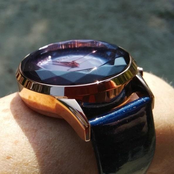Часы Guou